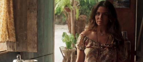 Luzia é enganada por Karola na novela ''Segundo Sol''