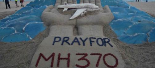 tributo pper il volo della malaysia airlines