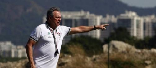 Sobre comando de Abel Braga, o Fluminense se prepara para encarar o Atlético Paranaense. (foto reprodução).