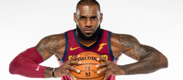 LeBron James será agente libre en 2018.