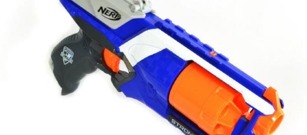 Nerf se burla de las armas temáticas de la vida real