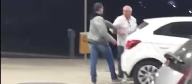 Vídeo que mostra agressão circula nas redes sociais. (Foto Internet)