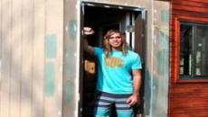 Estudante cria casa de 14m² para se livrar do aluguel e deixa todos surpresos