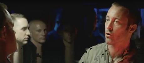 Steve (Alex O'Loughlin) has some serious talk on board a Russian nuclear sub in the 'Five-O' Season 8 finale. [image source: TVPromosdb/YouTube]
