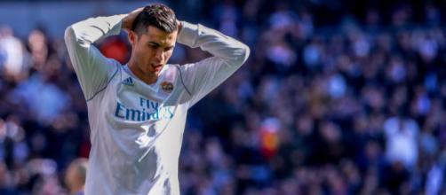Cristiano Ronaldo prêt à un énorme retourné face au fisc ! - Foot 01 - foot01.com