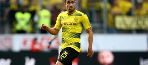 El Dortmund podría quedarse sin Sokratis este verano.