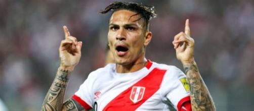 Embora tenha sido o grande herói da classificação peruana, Paolo Guerrero não deve ir ao Mundial da Rússia. (Foto: Mariana Bazo/Reuters)