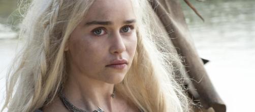 Emilia Clarke cree que se están rodando varios finales de Game of Thrones