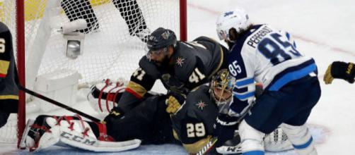 Fleury fue la gran figura de Vegas en el juego 3 de la final del Oeste. NHL.com.