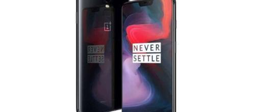 Llega el OnePlus6 a Londres con su diseño elegante.