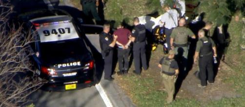 Reportan ocho muertos por tiroteo en escuela de Texas, EE.UU