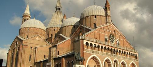 Si vendono su eBay le reliquie di Sant'Antonio da Padova