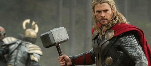Thor parecido a black panter...