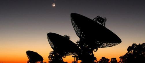 Una de las formas para buscar vida inteligente, son las señales de radio