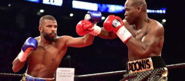 Adonis Stevenson y Badou Jack empataron en una buena pelea que fue de menos a más. BloodyElbow.com.