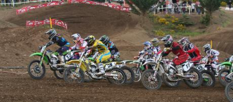 Throttles are wide open in the chase for the outdoor MX championship in 2018. - [image source: Moosealope - Flickr]