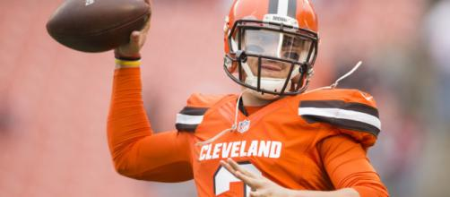 Johnny Manziel has signed with the CFL [Image via Cleveland Browns/YouTube]