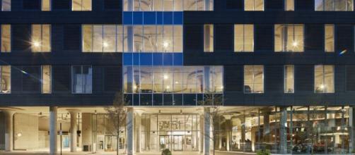 Los pisos de menor nivel del Centro de 84.51 ° diseñado por Gensler en Cincinnati se utilizan para estacionar.
