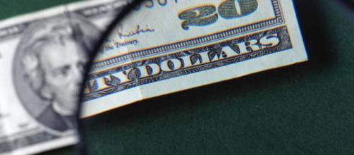 O dólar alto pode mudar a realidade do brasileiro. (foto reprodução).