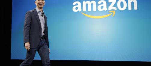 Si desea que el CEO de Amazon.com y Blue Origin solucione la pobreza, déjelo en paz.