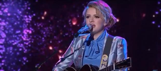 "Maddie Poppe got a landslide of praise after performing ""Landslide"" on the 'American Idol' (Image Credit: AmericanIdol/YouTube)"