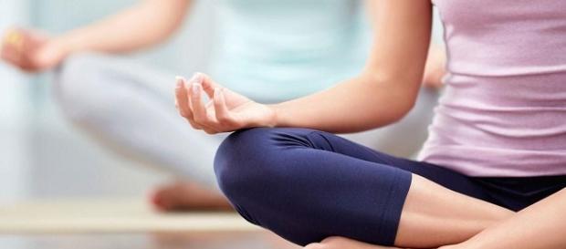 Realiza una clase de yoga y conectate con tu cuerpo