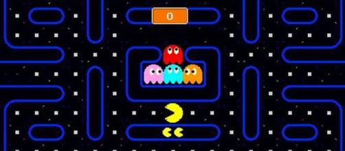 Captura de pantalla del juego Pac-Man que muestra los bordes del laberinto.