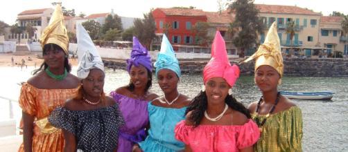 Grupo de mujeres senegalesas residentes en Murcia (España).