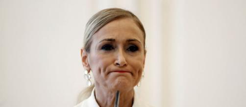 Cifuentes renuncia a la presidencia del PP de Madrid