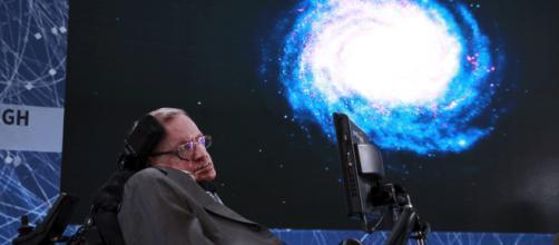 La teoría resuelve una paradoja cósmica de la propia creación del físico tardío