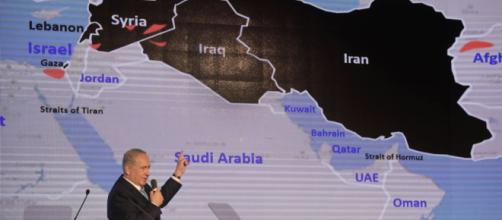 Netanyahu mostra le prove del progetto nucleare segreto dell'Iran - radiofarda.com