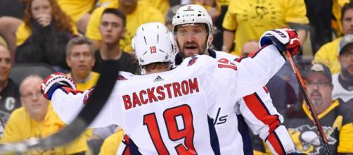 Ovechkin metió el gol decisivo en la victoria 4-3 sobre los Penguins. NHL.com.