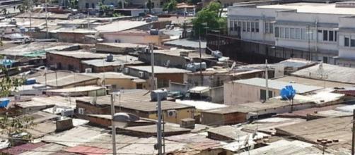 Una delle tante baraccopoli ancora presenti a Messina