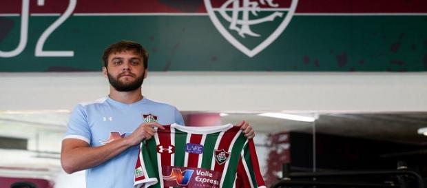 Após oito anos no Qatar, Nathan Ribeiro chega para reforçar a zaga do Fluminense (Foto: Lucas Merçon)