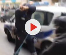 Smutny los policjantów we Francji. Policjant bezbronny wobec chuligaństwa i agresji (youtube.com).