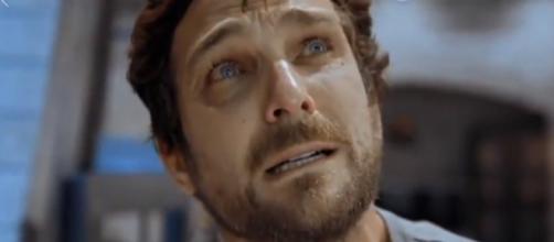 Benjamin foge da Nova Babilônia e Ricardo arma para matá-lo em Apocalipse (Foto: Record TV)