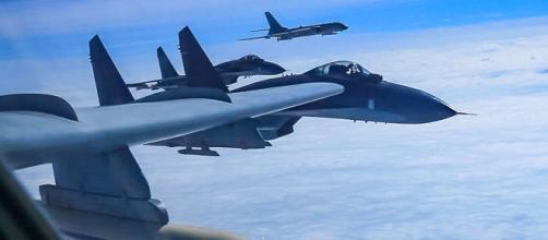 Bombarderos chinos realizan simulacro en aguas en disputa