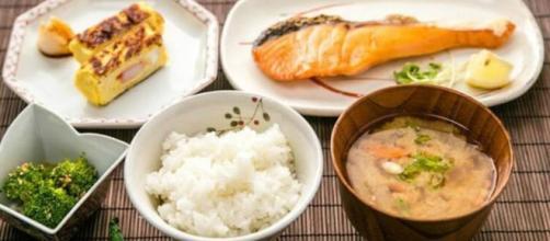 Deshazte de esos kilitos de más y luce radiante con la dieta japonesa
