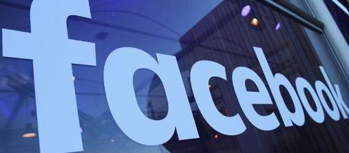 Facebook suspendió dos firmas de análisis