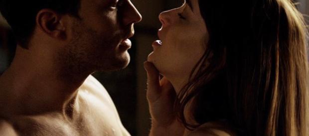 Emilia Clarke rechaza participar en 50 sobras de Grey