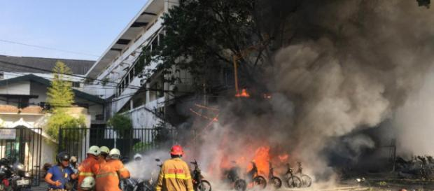 Familias suicidas: 25 muertos en Indonesia - Mundo - Últimas ... - com.uy