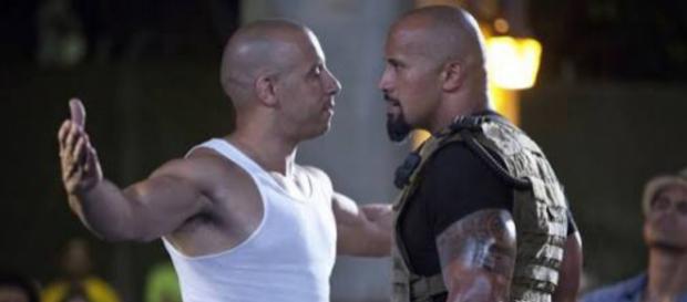 The Rock e Vin Diesel em Velozes e furiosos 8.