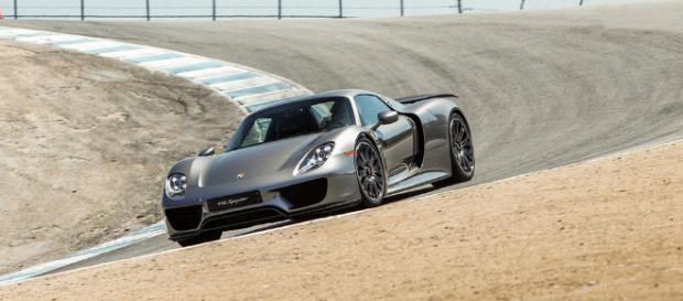 Yet another recall for the Porsche 918 Spyder - image credit - guideautoweb.com