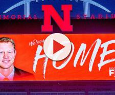Nebraska football has gone after Tennessee prospects under Scott Frost [Image via SI.com/YouTube]