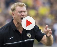 Scott Frost is looking to recruit JUCOs for Nebraska football [Image via mlive.com/Youtube]