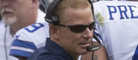 Terrell Owens talks trash about Dallas Cowboys head coach {Image by Keith Allison / Flickr]