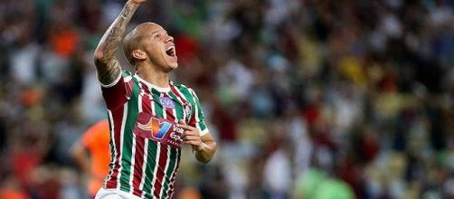 Com belo gol, Marcos Júnior define vitória sobre o Atlético-PR (Foto: Lucas Merçon)