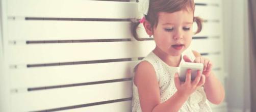 El efecto de los celulares en la salud de bebés y niños menores de ... - clarin.com