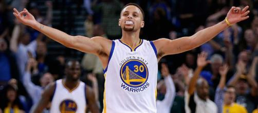 Steph Curry lands richest contract in NBA history at $201 million - mashable.com