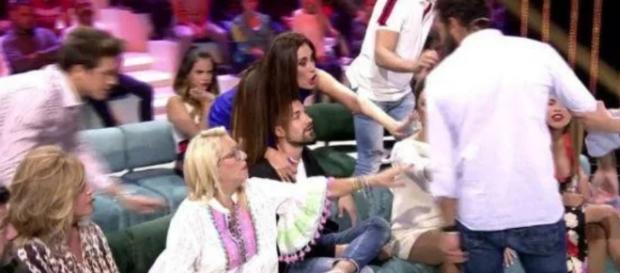 Alberto Isla casi pega a Alejandro Albalá